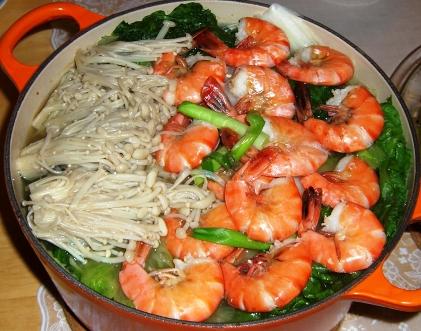 Shrimp mushroom tofuhotpot
